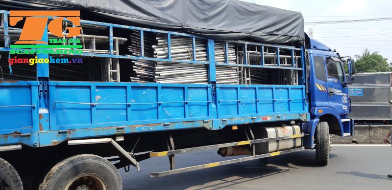 Các công ty vận tải sẽ đảm nhận vấn đề chuyên chở giàn giáo