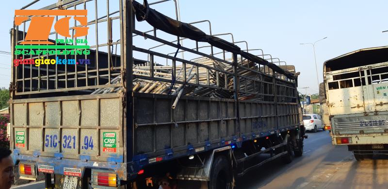 Giàn giáo sẽ được vận chuyển đến các công trình qua các công ty vận chuyển