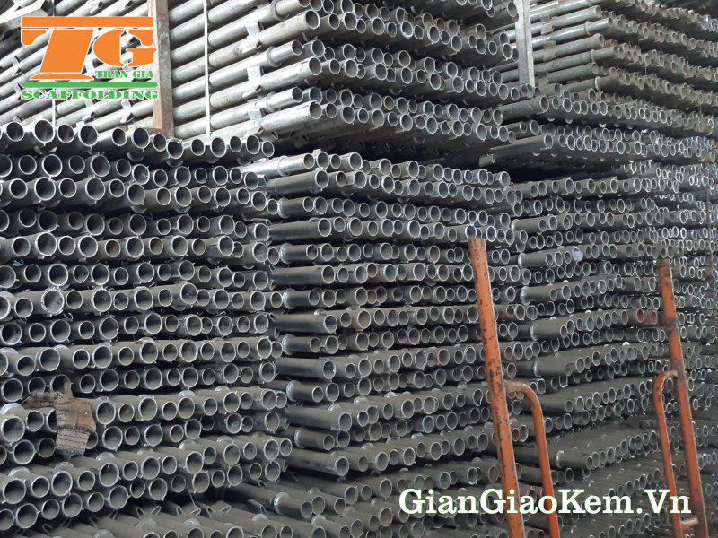 Cây chống được mạ kẽm và có nhiều kích thước phù hợp với công trình