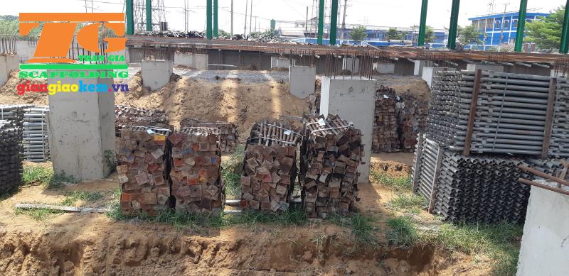 Trần Gia còn cung cấp dịch vụ cho thuê kích tăng giúp công việc thi công xây dựng được diễn ra nhanh và an toàn chính xác hơn